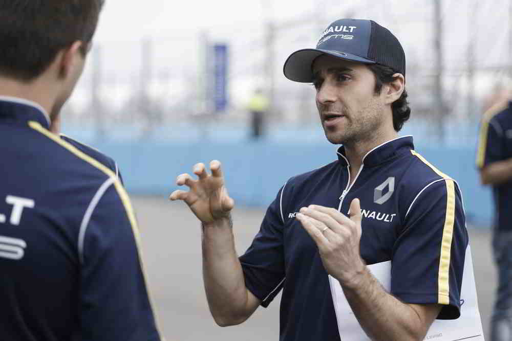 Nico Prost having a discution