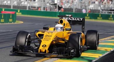2016 Formula 1 Rolex Australian Grand Prix last corner of the the track
