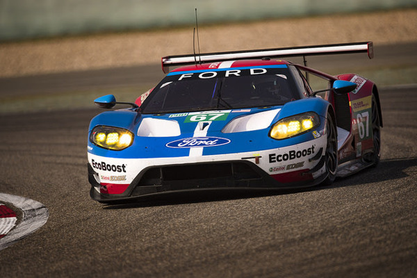 Ford GT on track