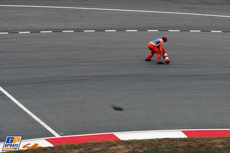 Follow second practice for the Malaysian GP!