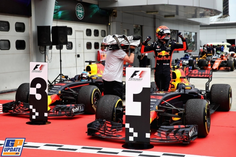 Verstappen dominates for Malaysia victory