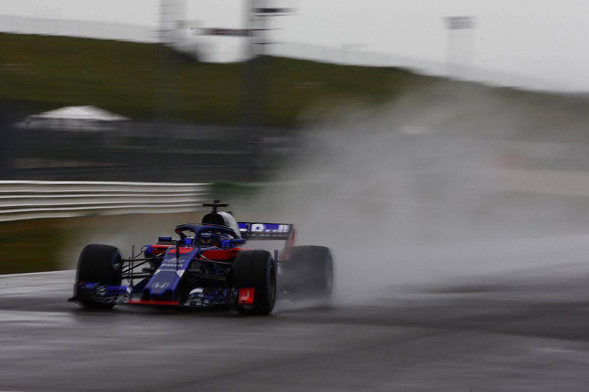 Motorsport: New look Toro Rosso F1 car unveiled