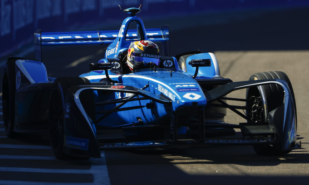 Buemi Heads First Practice Despite Accident