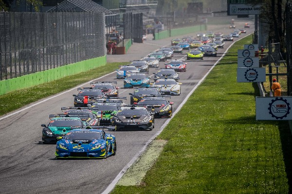 ALTOE AND VAN UITERT START THE TENTH EDITION OF THE LAMBORGHINI SUPER TROFEO EUROPE WITH A WIN AT MONZA