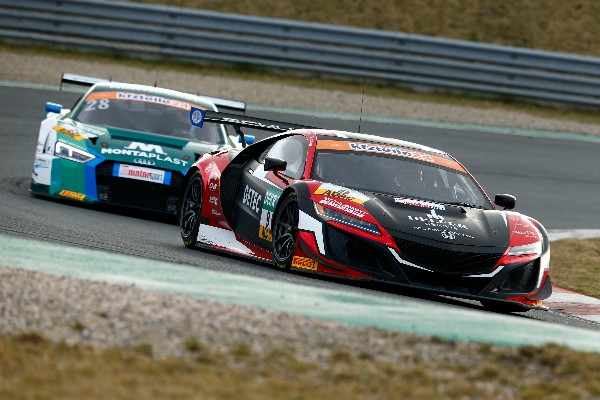 FASCINATING FIRSTS AS ADAC GT MASTERS GETS UNDERWAY