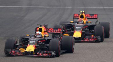 Verstappen vs Ricciardo China 2017
