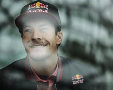 It is with great sadness that Red Bull Honda World Superbike Team has to announce that Nicky Hayden has succumbed to injuries suffered during an incident while riding his bicycle last Wedne