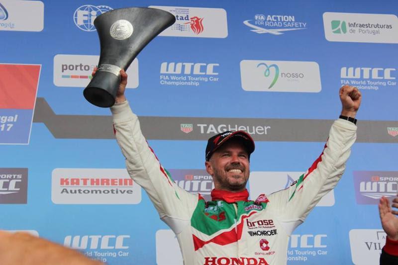 Double podium for Tiago Monteiro in Vila Real Portuguese driver takes back the lead in the FIA WTCC world championship