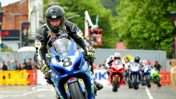 Taupo's Scott Moir romps to victory in Suzuki Superbike Series