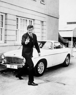 Volvo Cars will showcase the 1967 Volvo 1800 S once owned by Sir Roger Moore
