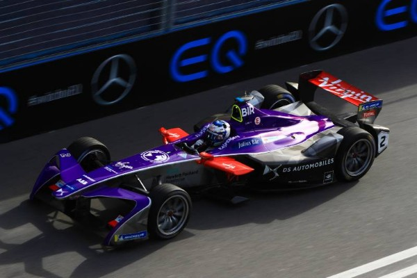 BIRD HOLDS OFF LATE CHARGE FROM RIVALS TO TAKE FORMULA E VICTORY IN ROME