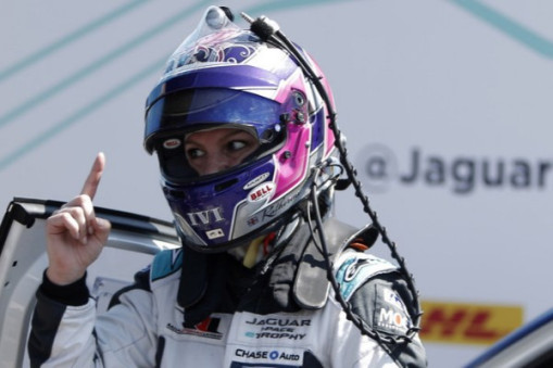KATHERINE LEGGE MAKES HISTORY IN MEXICO CITY WITH JAGUAR I-PACE ETROPHYVICTORY_5c692ab3c0426.jpeg