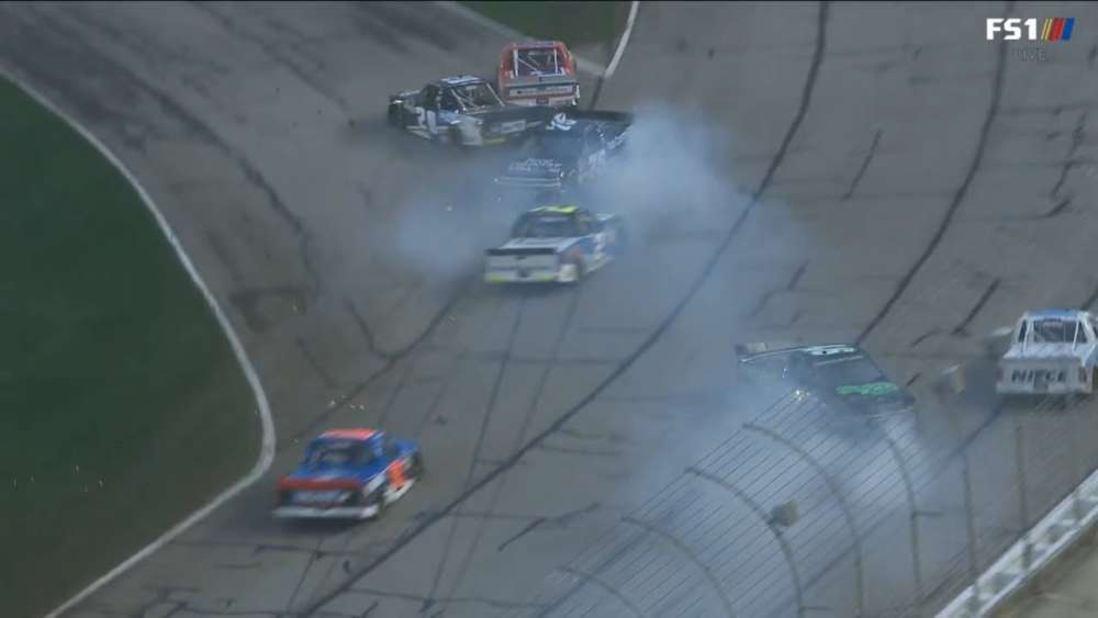 NASCAR Gander Outdoors Truck Series 2019. Atlanta Motor Speedway. Restart Crashes Red Flag_5c72c242b0f88.jpeg