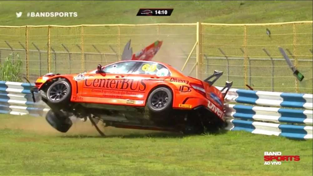 Mercedes-Benz Challenge 2019. Autódromo Internacional de Goiânia. Crash Aftermath | Big Crash_5c97e67fc71e9.jpeg