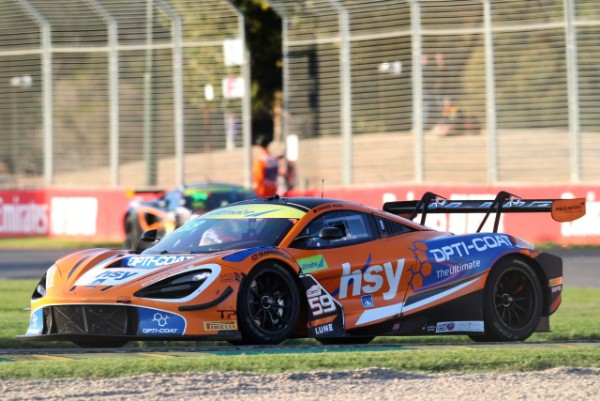 TWIGG AND ROSS ON TOP EARLY  IN THE AUSTRALIAN GT CHAMPIONSHIP AT ALBERTPARK_5c8b980918997.jpeg