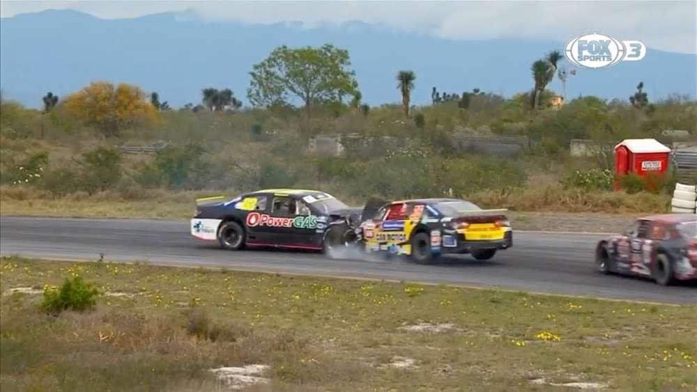 NASCAR PEAK Mexico Series 2019. Autódromo Monterrey. Gustavo Barrales & Javier Fernandez Crash_5ca27bdb20a47.jpeg