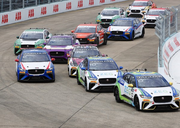 CACÁ BUENO SECURES JAGUAR I-PACE ETROPHY LIGHTS TO FLAG VICTORY IN BERLIN_5ce98a44c9a5b.jpeg