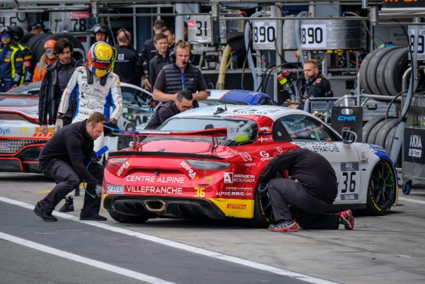 GT4 EUROPEAN SERIES INTRODUCE PIT STOP CHALLENGE