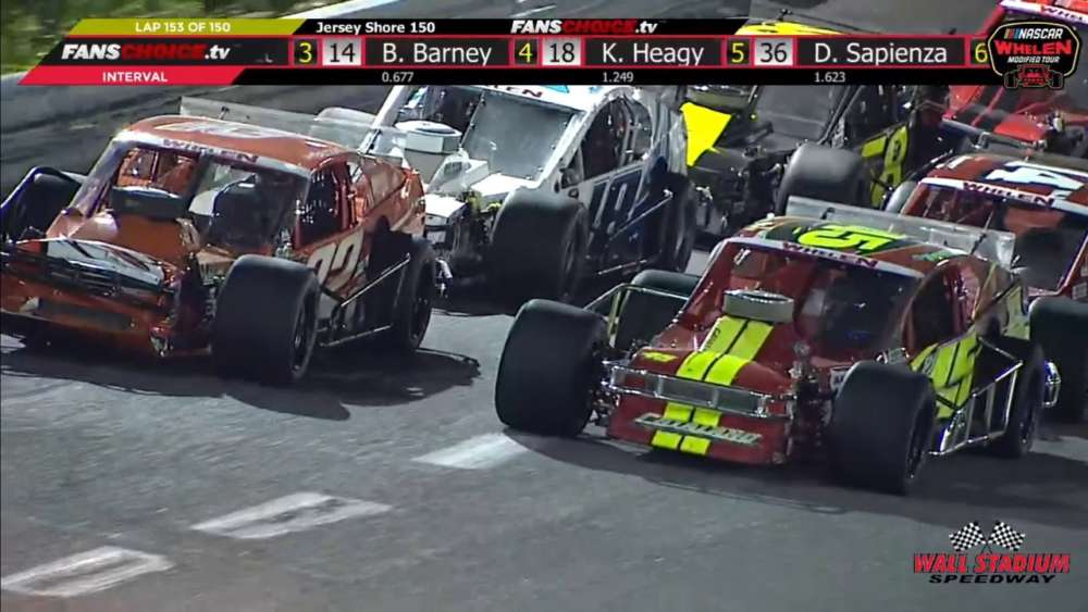 NASCAR Whelen Modified Tour 2019. Wall Stadium Speedway. Last Laps_5ce227c8e8b6c.jpeg