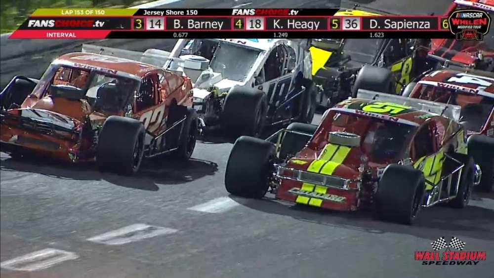 NASCAR Whelen Modified Tour 2019. Wall Stadium Speedway. Last Laps_5ce227c8e8b6c.jpeg