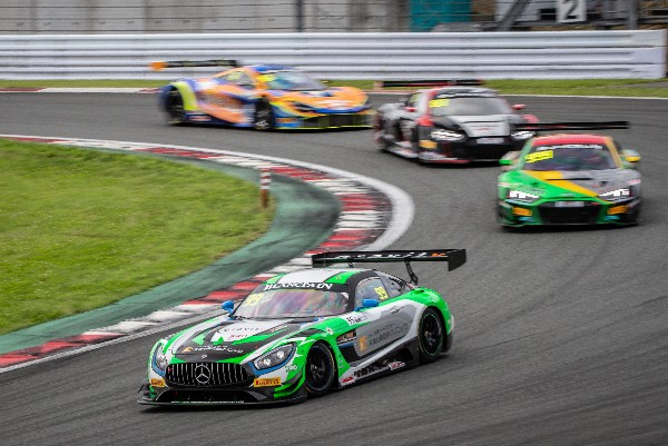 BLANCPAIN GT WORLD CHALLENGE ASIA PODIUM FINISH FOR NIELSEN AND O'YOUNG AFTER GREAT FIGHT THROUGH THEFIELD