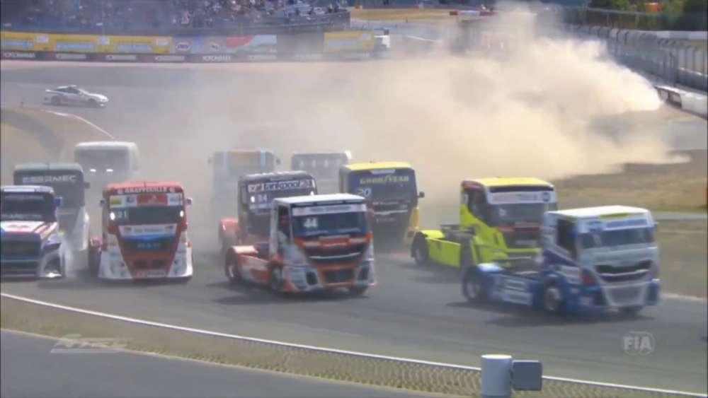 ETRC 2019. Race 4 Nürburgring. Start Crashes_5d347e53bae00.jpeg