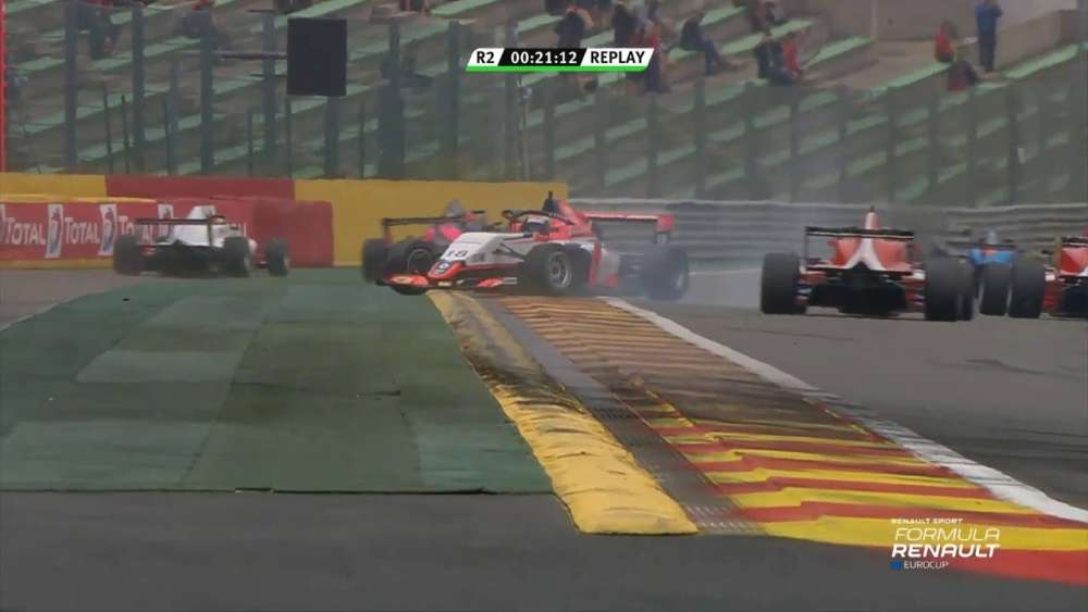 Formula Renault Eurocup 2019. Race 2 Circuit de Spa-Francorchamps. Start Crash | Collisions_5d3c144e4a470.jpeg