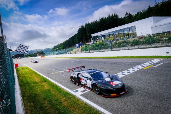 MOLLER HOLDS ON FOR FOURTH  BLANCPAIN GT SPORTS CLUB VICTORY ATSPA