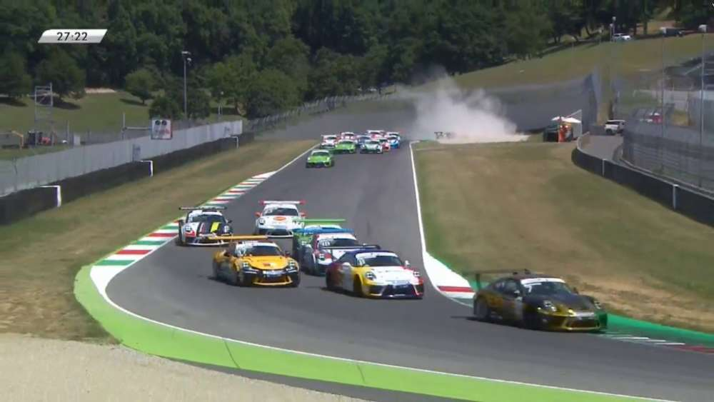 Porsche Carrera Cup Italia 2019. Race 2 Autodromo Internazionale del Mugello. Start Crash_5d347e5ed46a3.jpeg