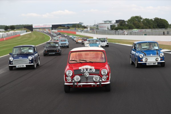 SCENE SET FOR SENSATIONAL SILVERSTONE SPECTACLE AS CLASSIC REVS INTOLIFE_5d3b906f916ff.jpeg