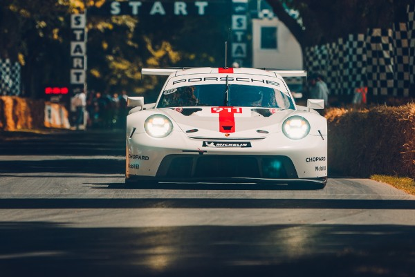 THE NEW PORSCHE 911 RSR FACES THE COMPETITION FOR THE FIRST TIME AT OFFICIAL WEC TESTS_5d302f95530ae.jpeg