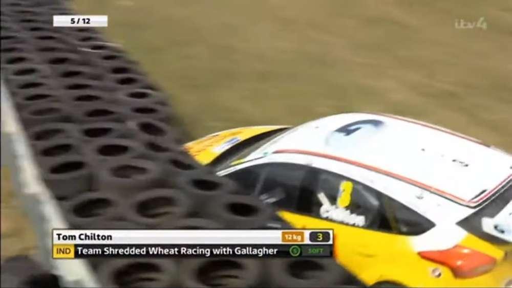 BTCC 2019. Race 1 Snetterton Circuit. Tom Chilton Puncture Crash_5d4968ab403fa.jpeg