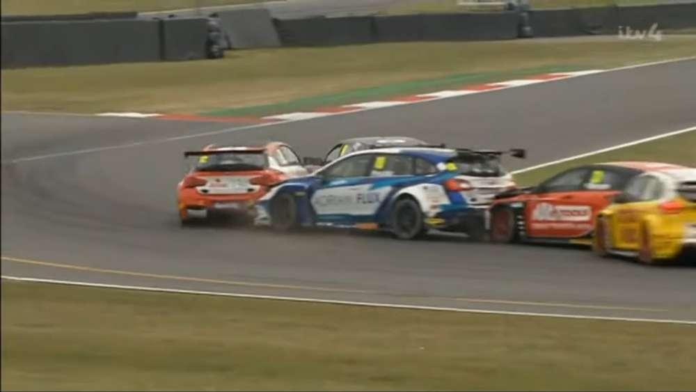 BTCC 2019. Race 2 Snetterton Circuit. Multiple Crash_5d497207d03ed.jpeg
