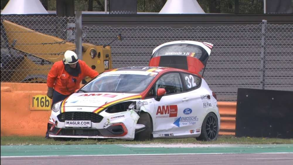 Ford Fiesta Sprint Cup NL/BE 2019. Race 1 TT Circuit Assen. Kenny Heeremans Crash_5d5c22c8bb8ec.jpeg