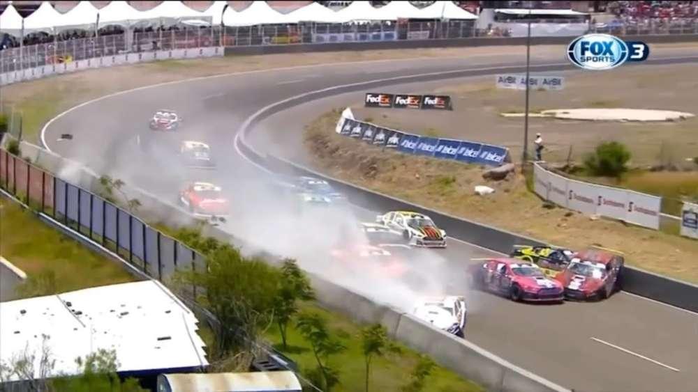 NASCAR FedEx Challenge 2019. Race Autódromo de Querétaro. Big Pile Up_5d4c396e22d7c.jpeg