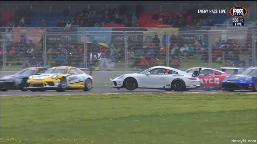 Porsche Carrera Cup Australia 2019. Race 1 The Bend Motorsport Park. Start Crashes_5d60f398a0bdb.jpeg