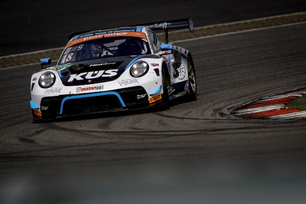 PORSCHE ONE-TWO IN FIRST ADAC GT MASTERS PRACTICE SESSION AT THENURBURGRING_5d571a6fee37d.jpeg