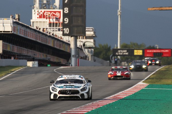 PORTUGUESE DRIVERS SHINE IN GT4 SOUTH EUROPEAN SERIES IN BARCELONA_5d6a1be3a48f7.jpeg