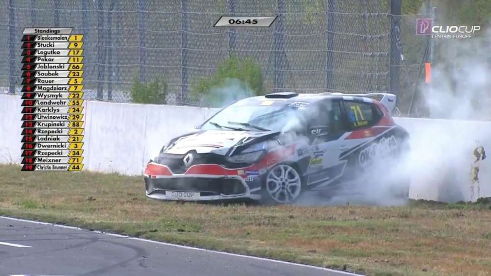 Renault Clio Cup Central Europe 2019. Race 1 Motorsport Arena Oschersleben. Meixner Hard Crash_5d459c24b6fa9.jpeg