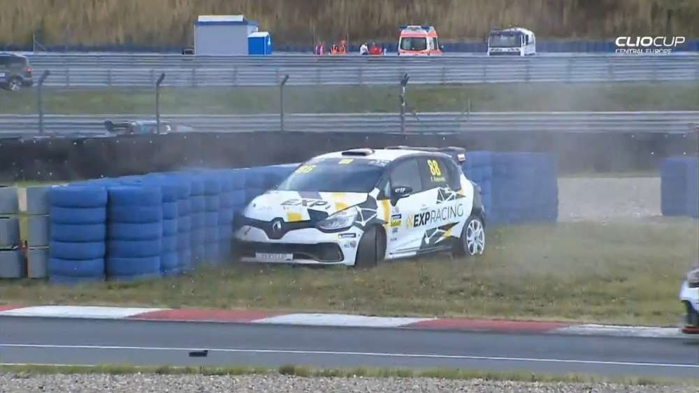 Renault Clio Cup Central Europe 2019. Race 2 Motorsport Arena Oschersleben. Patryk Krupiński Crash_5d46a279b180c.jpeg