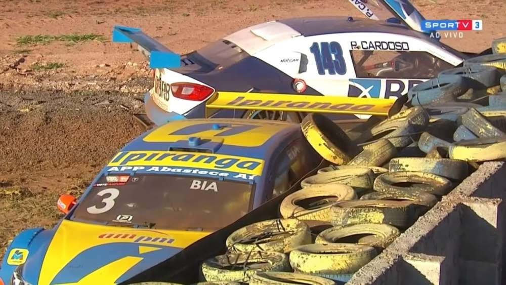 Stock Car Brasil 2019. Race 2 Autódromo Internacional Orlando Moura. Figueiredo & Cardoso Crash_5d51633804ffe.jpeg