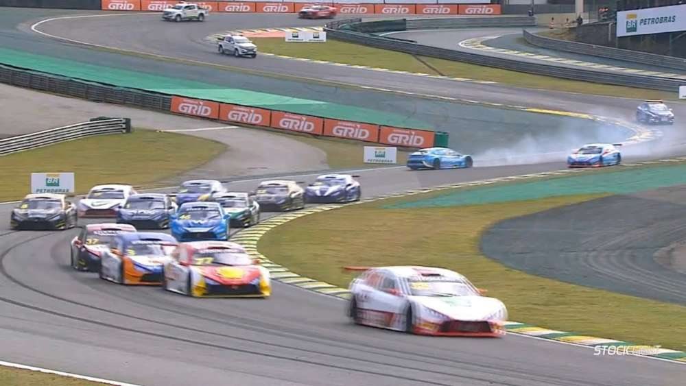 Stock Light 2019. Race 1 Autódromo José Carlos Pace. Start Crashes_5d618039ab7a2.jpeg