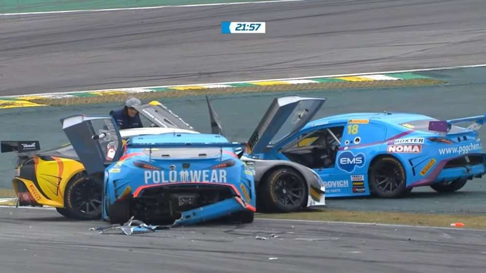 Stock Light 2019. Race 2 Autódromo José Carlos Pace. Restart Crash_5d6693de61636.jpeg