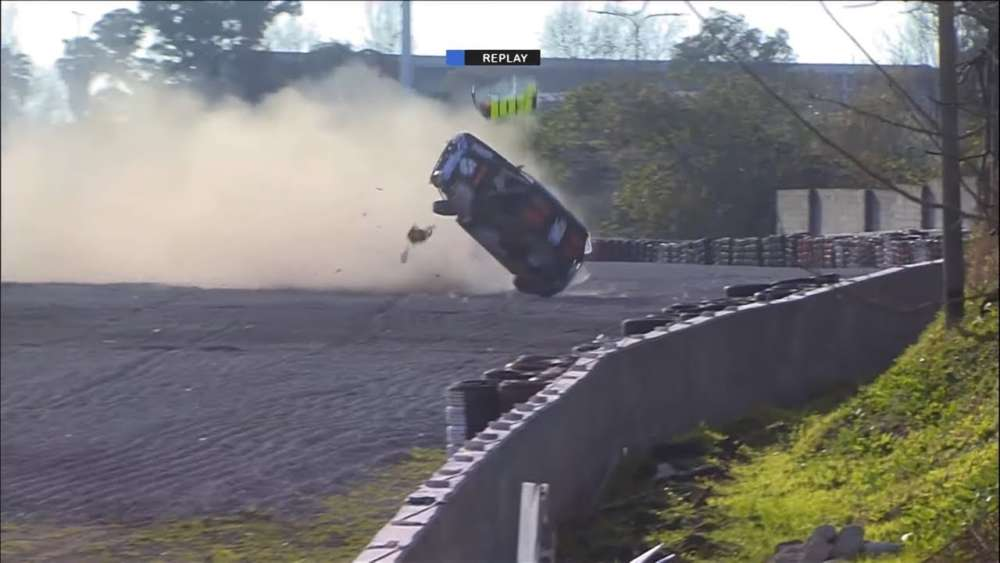 Turismo Pista (Clase 1) 2019. Final Autódromo de Buenos Aires Oscar y Juan Gálvez. Big Crash Rolls_5d664327e7f3b.jpeg