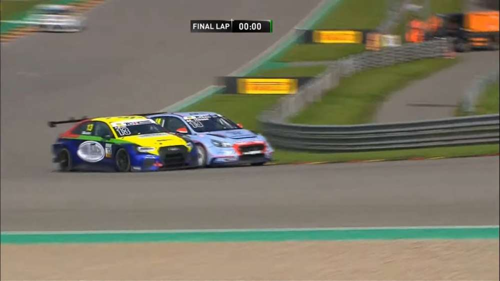 ADAC TCR Germany 2019. Race 2 Sachsenring. Closest Finish_5d90a5aa18fb6.jpeg