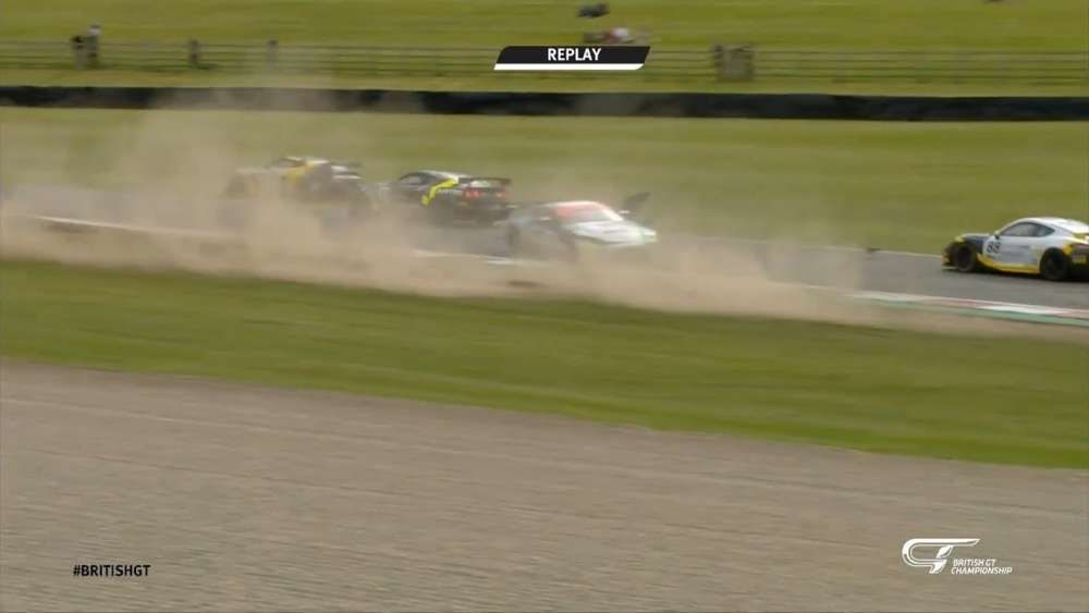 British GT 2019. Race Donington Park. Connor O'Brien & Árón Taylor-Smith Crash_5d7e458de1ee6.jpeg