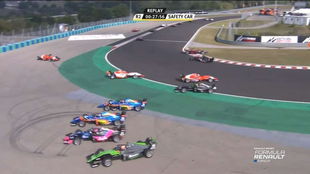 Formula Renault Eurocup 2019. Race 2 Hungaroring. Start Multiple Crash_5d751586d7b0d.jpeg