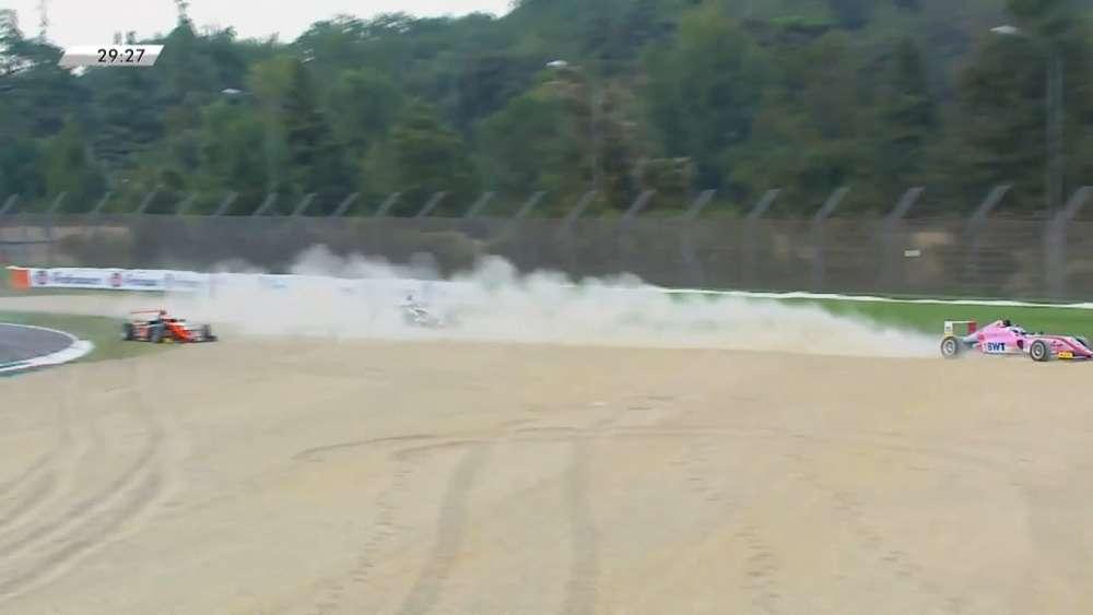 Italian F4 Championship 2019. Race 4 Autodromo Enzo e Dino Ferrari. Start Crashes_5d6c0310c4cbf.jpeg
