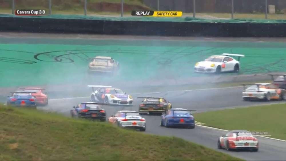 Porsche Carrera Cup Brasil (3.8) 2019. Race 1 Autódromo José Carlos Pace. Start Crash_5d8640278c885.jpeg