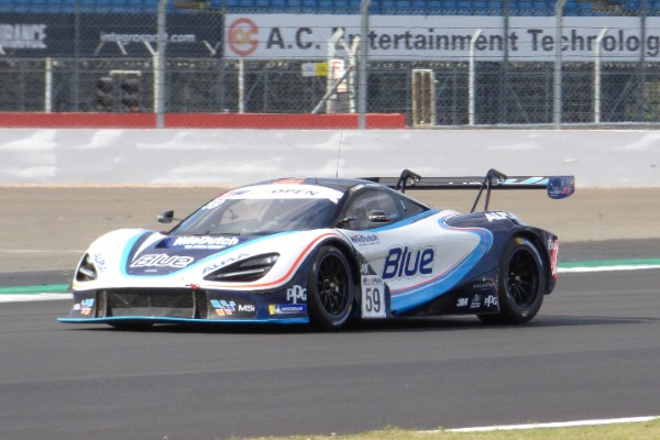 SIXTH PLACE FOR HENRIQUE CHAVES AT SILVERSTONE